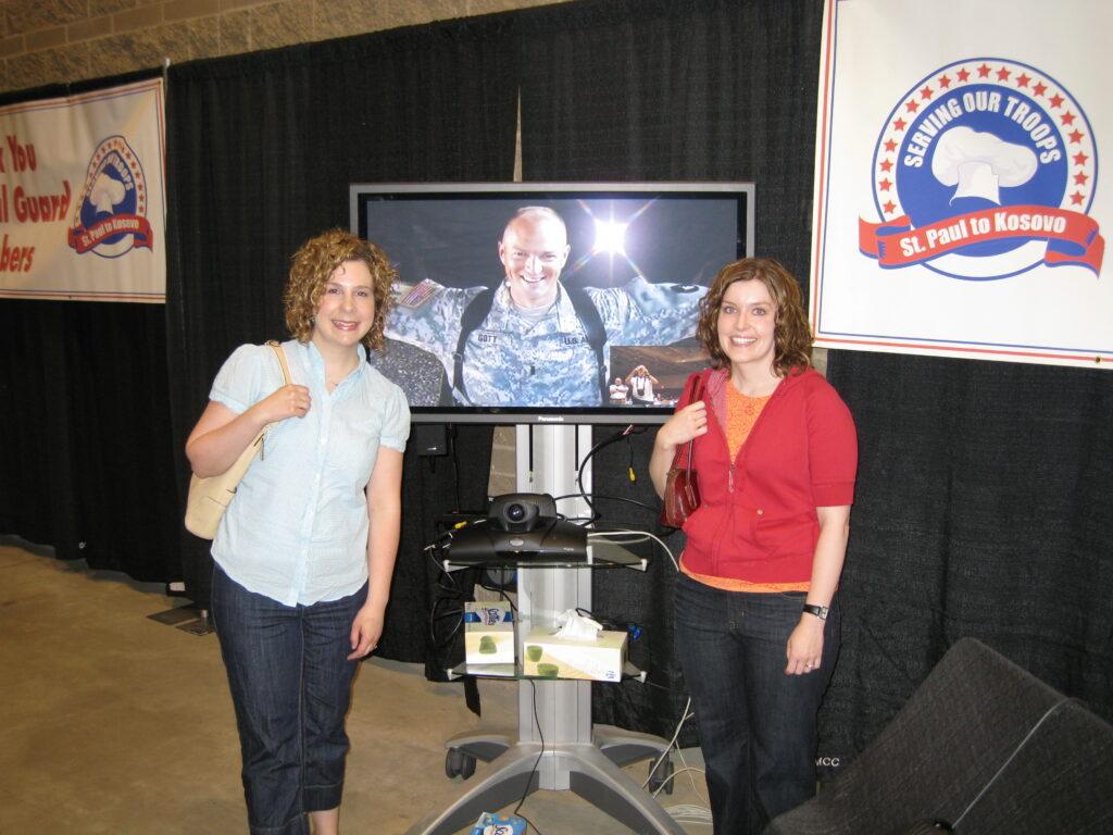 Virtual hug at Serving our Troops 2008